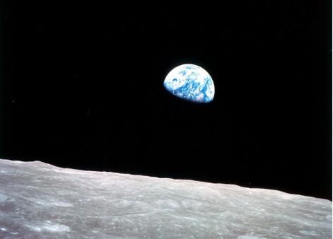 人学研究网  宇宙探索  升起的地球