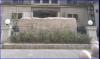 北京,王府井大街,涵芬楼书店落户于此。人艺剧院、三联书店、国家美术馆,浓厚的文化氛围似乎告诉我们涵芬楼书店落户于此是理所应当。依托着其母体商务印书馆而设立,更显示出其得天独厚的条件。不起眼的二层小楼伫立在商务印书馆的右侧,是向读者最近距离展示商务印书馆思想灵魂的窗口。